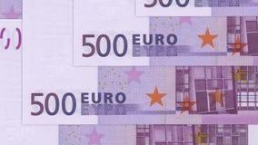dinheiro do fundo do dinheiro do euro 500 Pena, eyeglasses e gráficos Economia dos ricos do sucesso do conceito video estoque
