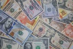 Dinheiro - Dolar e real Fotografia de Stock Royalty Free