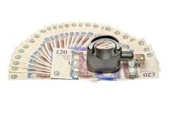 Dinheiro e cadeado - conceito 02 da segurança Foto de Stock Royalty Free