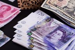 Dinheiro em uma caixa fotos de stock royalty free