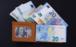 Dinheiro em uma caixa imagens de stock
