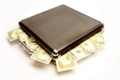 Dinheiro em uma mala de viagem