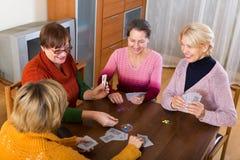 Dinheiro estacando fêmea durante a ponte Fotografia de Stock Royalty Free