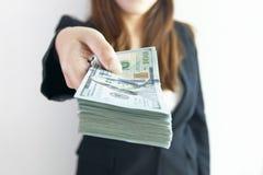 Dinheiro grande de oferecimento Imagens de Stock