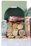Dinheiro no cofre forte Fotos de Stock Royalty Free