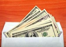 Dinheiro no envelope fotografia de stock