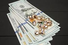 Dinheiro no fundo preto Foto de Stock
