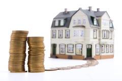 Dinheiro para a casa Fotografia de Stock Royalty Free