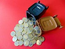 Dinheiro para fora de uma tonelada Fotografia de Stock