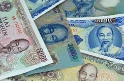 Dinheiro pequeno das notas do dong da moeda de Vietnam Imagem de Stock
