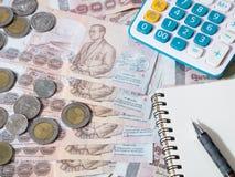Dinheiro tailandês - moeda do baht tailandês Foto de Stock