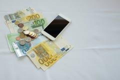 Dinheiro trocado em linha fotos de stock