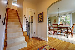 dinign μεγάλη σκάλα δωματίων δι& Στοκ Εικόνες