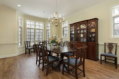 Diningroom with cream colored walls Royalty Free Stock Photography