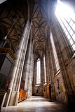 DINKELSBUHL, ΓΕΡΜΑΝΙΑ - 22 ΙΟΥΝΊΟΥ: Εσωτερικό του γοτθικού μοναστηριακού ναού του ST George Στοκ Εικόνες