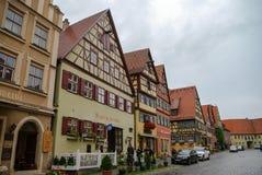 Dinkelsbuhl, Deutschland - 28. August 2010: Straßenansicht von Dinkelsbu Lizenzfreie Stockbilder