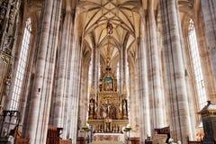 DINKELSBUHL, DUITSLAND - JUNI 22: Binnenland van gotische St George Munster Stock Fotografie