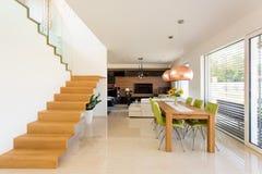 Dinning室和客厅 免版税库存图片