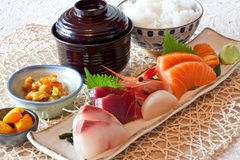 dinning的盘日本米集合寿司 库存图片