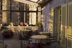 Dinning al aire libre en Avignon Imagen de archivo libre de regalías