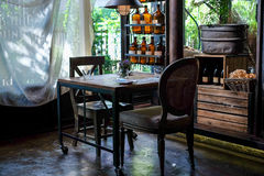 Dinning rum med den lugna och avslappnande aktiveringsinre, asiatisk stil Arkivfoton