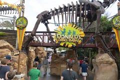 Dino Bash, Disney World, reino animal, curso imagem de stock