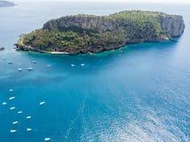 Dino wyspa, widok z lotu ptaka, wyspa i lądowanie, Praia klacz, Cosenza prowincja, Calabria, Włochy obraz stock