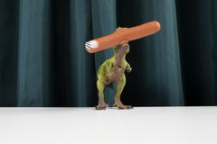 Dinosaure занавеса есть маникюр сосиски Стоковые Изображения RF