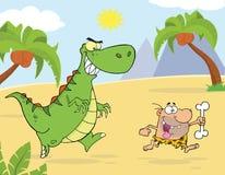 Dinosaure vert fâché chassant un homme des cavernes Image libre de droits