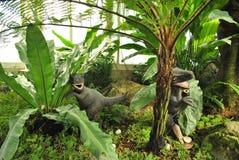Dinosaurie i ormbunkeskog Royaltyfria Bilder