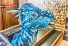 Dinosaurier gekennzeichnet in einer Ausstellung gehalten in Gubbio, Italien stockfotos