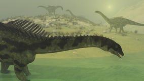 Dinosaurier i misten Arkivfoton