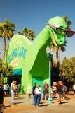 Dinosauriestålar Sunglass hydda fotografering för bildbyråer