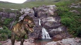 Dinosauro di TRex alla cascata Immagine Stock