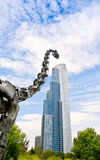 Dinosauro e grattacielo Immagini Stock Libere da Diritti
