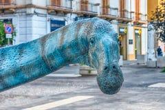 Dinosaurus in een tentoonstelling wordt in Cosenza, Italië wordt gehouden gekenmerkt dat royalty-vrije stock fotografie