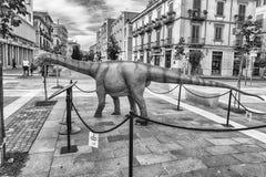 Dinosaurus in een tentoonstelling wordt in Cosenza, Italië wordt gehouden gekenmerkt dat stock foto's