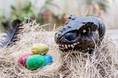Dinosaurus met ei stock foto's