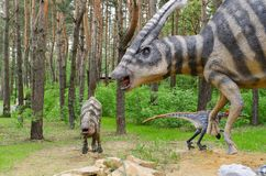 Dinosaurus modelParasaurolophus met welpen royalty-vrije stock foto