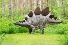 Dinosaurus modelStegosaurus in Dinosauruspark royalty-vrije stock foto's