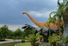 Dinosauruspark royalty-vrije stock afbeelding