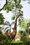 Dinossauro da estátua fotografia de stock