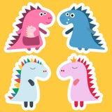 Dinossauro da etiqueta Projeto fresco do vetor do dinossauro Projeto do bebê Grupo do aniversário de Dino Desenhos animados engra ilustração stock