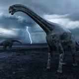 Dinossauros do Cetiosaurus com tempestade de aproximação Imagens de Stock Royalty Free