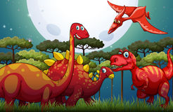 Dinosuars rossi sotto la luna piena in natura Immagini Stock Libere da Diritti