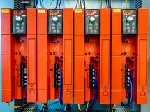 Dinslaken, Alemanha - 19 de setembro de 2018: COSTURAR o controlador de Freuqency estão preparando-se para a produção imagens de stock