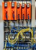 Dinslaken, Duitsland - September 19 2018: NAAI Freuqency-controlemechanisme en plc wordt klaar voor productie stock foto