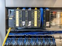 Dinslaken, Duitsland - September 19 2018: Programmeerbaar logicacontrolemechanisme voor industrionautomatisering die getest worde royalty-vrije stock afbeeldingen