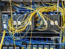 Dinslaken Tyskland - September 19 2018: Programmerbar logikkontrollant för industrionautomation som får testad arkivfoton