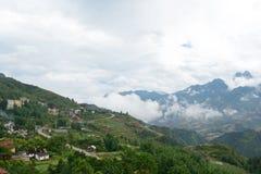 Dintorni della città della montagna Fotografia Stock Libera da Diritti